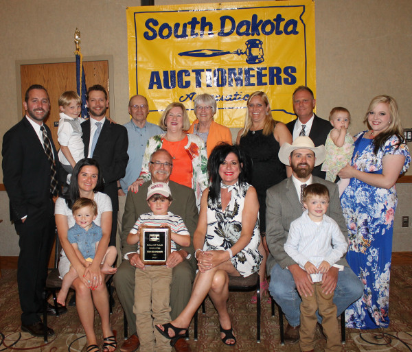 2017 SDAA Hall of Fame inductee Tom Souvignier and family.